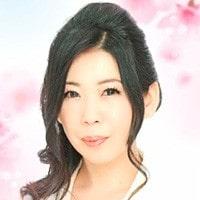 電話占いマヒナに在籍している桜華先生の公式画像
