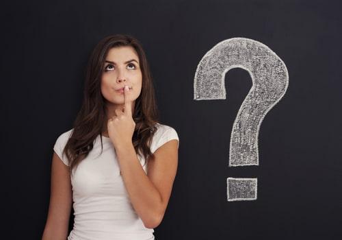 疑問を懐いている女性