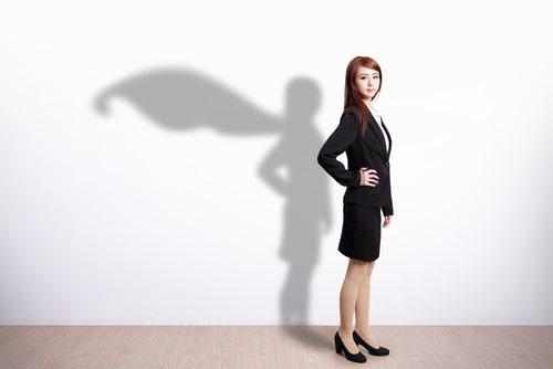 リーダーシップのある女性の画像